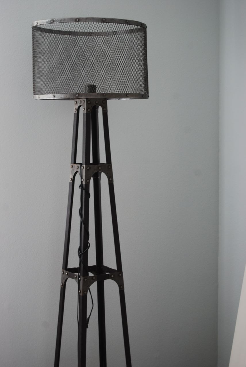 industrial floor lamp displaying 20 images for industrial floor lamp. Black Bedroom Furniture Sets. Home Design Ideas