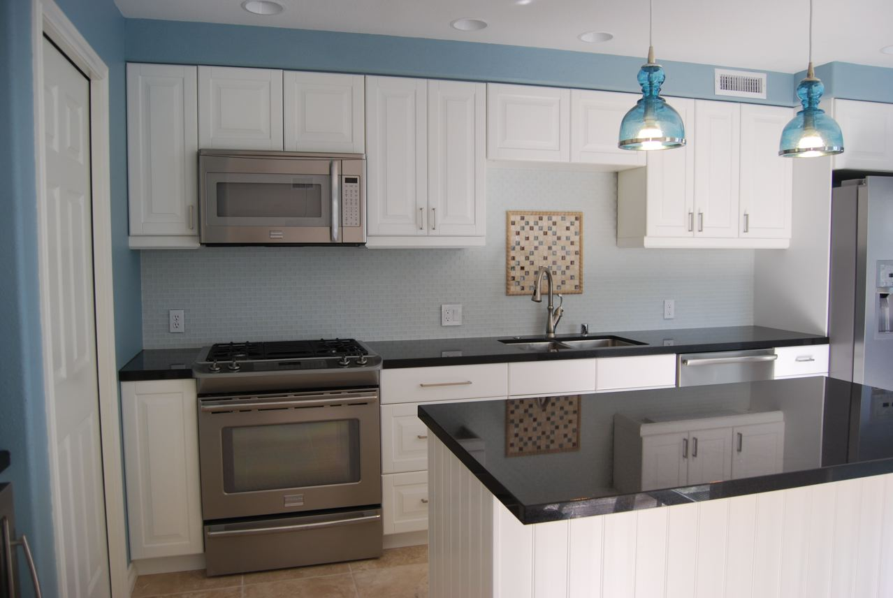 * Remodelaholic *: Bright and Blue and Beautiful; Kitchen ...